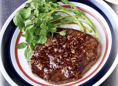 牛ステーキ オニオンしょうゆソース