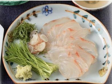 煎り酒で食べる白身魚のお刺身