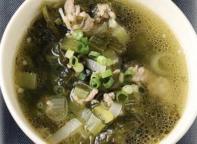 豚ひき肉と豆腐の高菜スープ